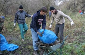 volonterska-akcija-u-zlatnoj-gredi (2)